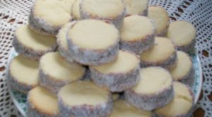 alfajores taste south america